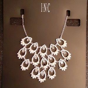 Beautiful Brand New Statement Necklace